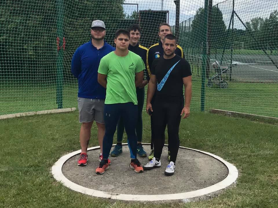 varjuk-a-kalapácsvetőket-pápai-atlétikai-club-2